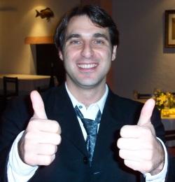 Juan Roberto Mascardi, mostrant la seva aprovacio