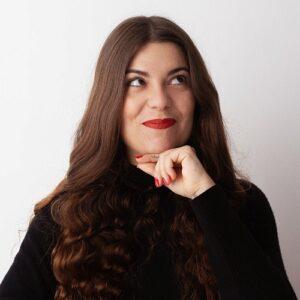 Laura Gómara Autora - Vienen mal dadas - En la sangre