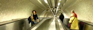 Capitol 3 - El futur no és el que era - Estranys en un túnel